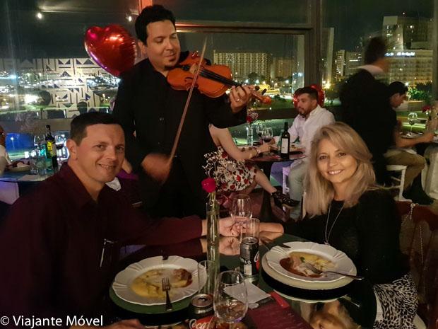 Jantar romântico com violonista-Roteiro Romântico em Brasília