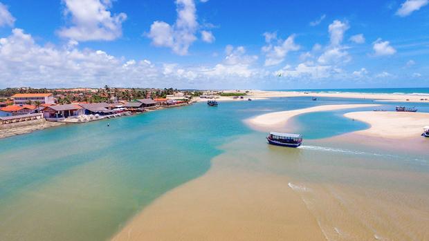Praia da Barra Nova no Litoral Leste do Ceará
