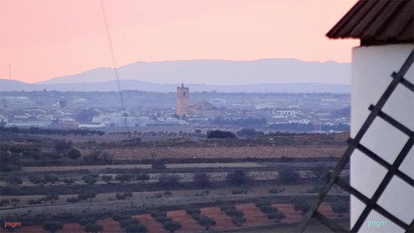 Vista de El Toboso desde los molinos de Mota del Cuervo