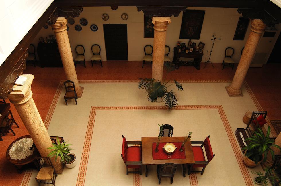 Casa de los Acacio en San Clemente