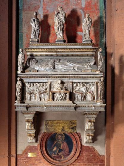 Tumba de Anton Galeazzo Bentivoglio por Jacopo della Quercia en Bologna