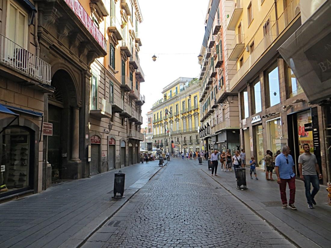 Via Toledo Napoli Mister No Wikimedia Commons