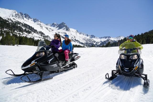 grandvalira-motos de nieve