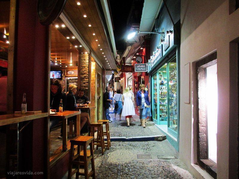 Thira de noche (Santorini)
