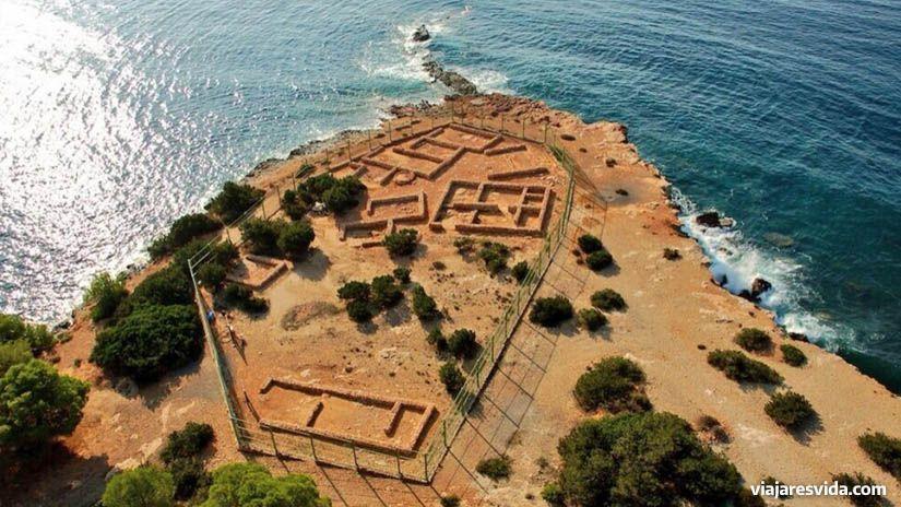 Yacimientos arqueológicos de Ibiza: sa Caleta