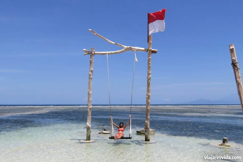 Columpio de agua en las islas Gili