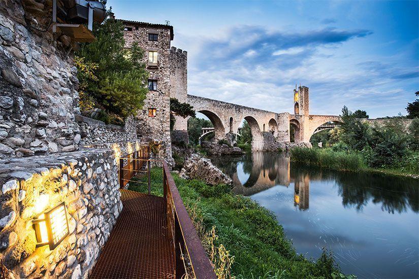Puente de Besalú. Qué ver en Figueres