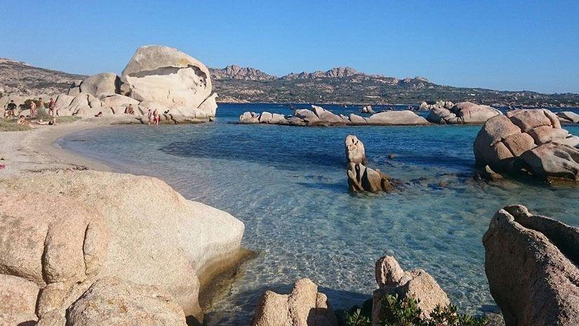 Playa Testa del Polpo en isla de la Maddalena