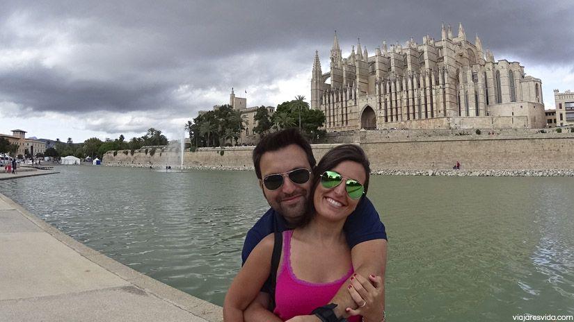 Nosotros visitando la Catedral de Palma de Mallorca