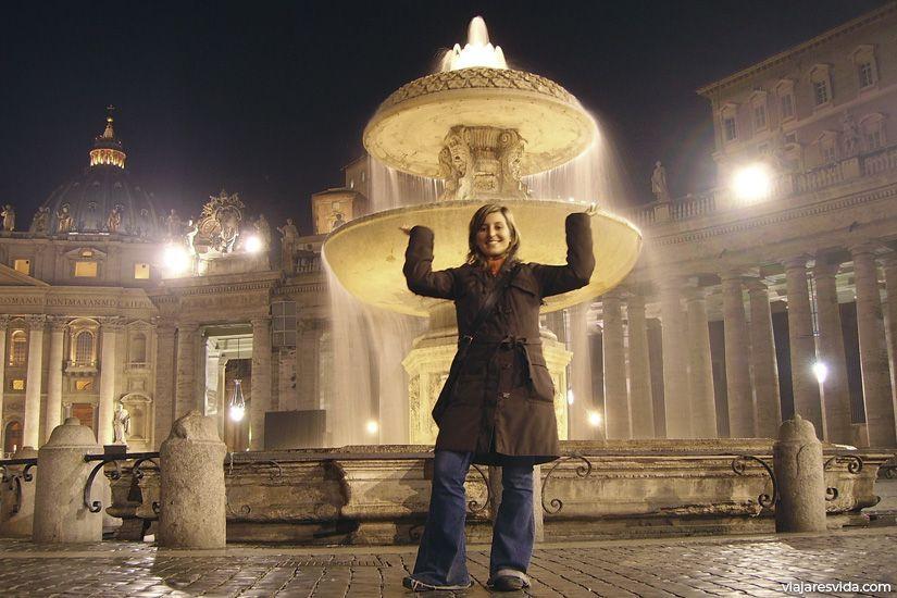 Fuente de la Plaza de San Pedro del Vaticano