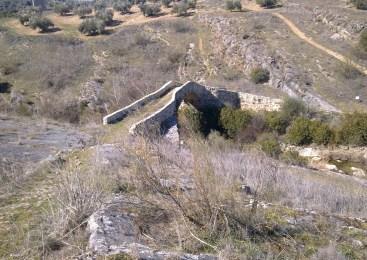 El Puente Medieval del río Víboras