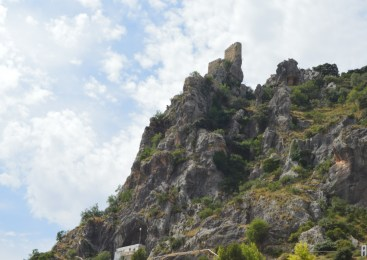 368 escalinatas para subir al Castillo de Albanchez de Mágina