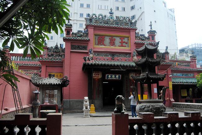 Pagoda-del-Emperador-de-Jade-(1)