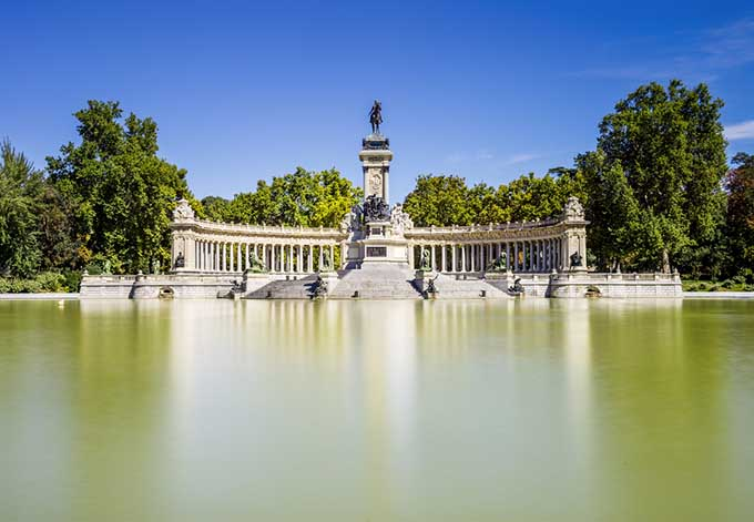 madrid_spain_parque_del_retiro_estanque_park_680