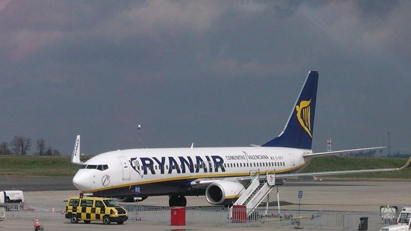 Ryanair_Boeing_737-800___1248