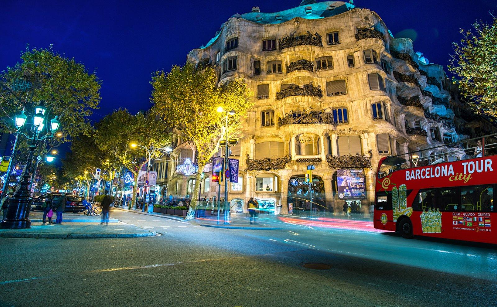 barcelona-city-tour-1600x900px-1600x990