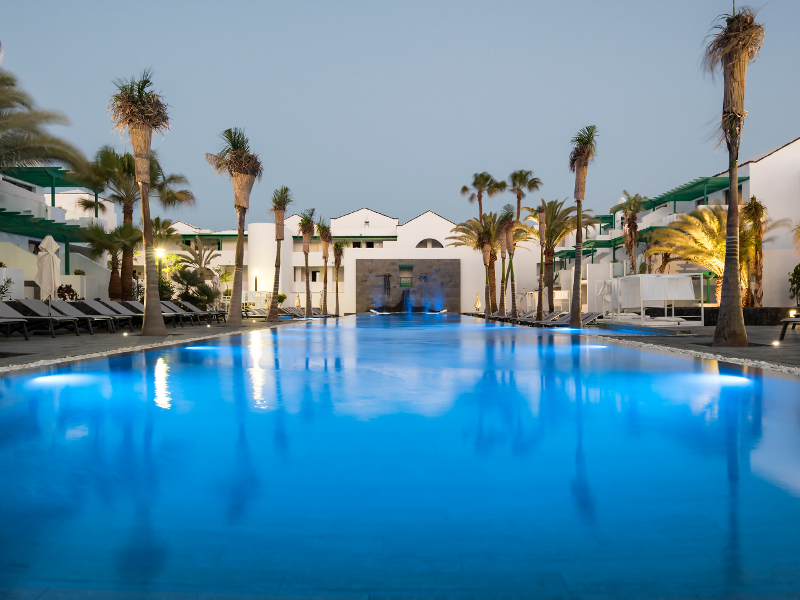 365-swimming-pool-14-hotel-barcelo-teguise-beach37-173314
