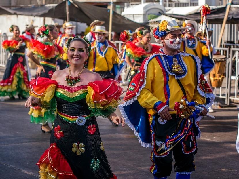 vestimenta-ecuador-fiesta