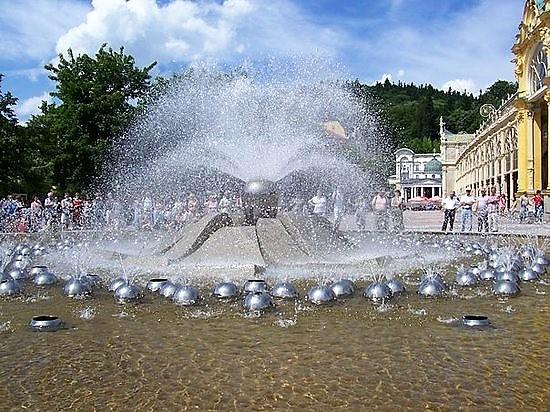 zpivajici-fontana-marianske