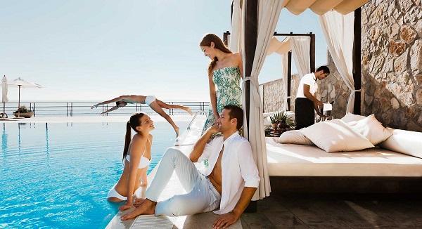 400-swimming-pool-01-hotel-barcelo-portinatx_tcm7-99994_w1600_n