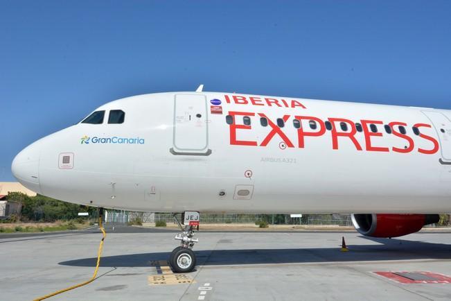 avion-iberia-express-gran-canaria-19_g