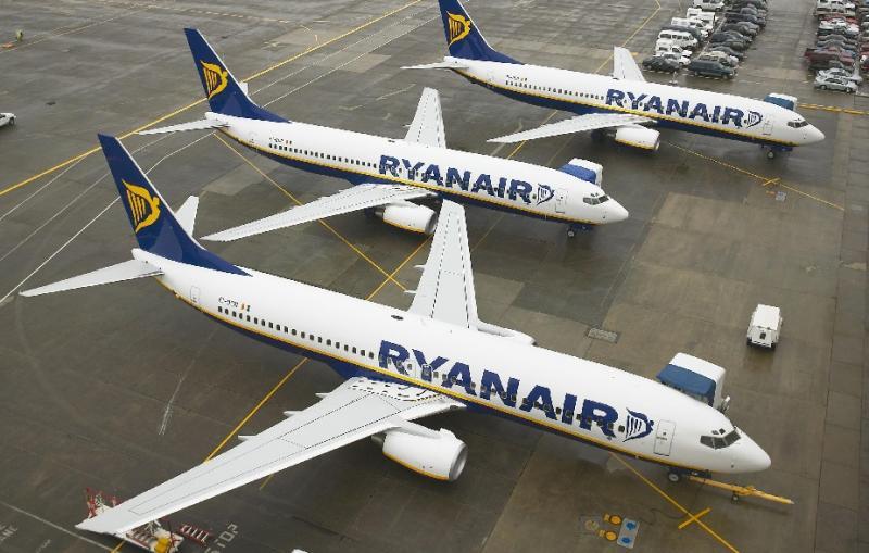 ryanair-aircraft-1hh