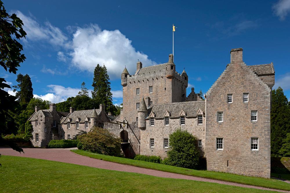 cawdor-castle