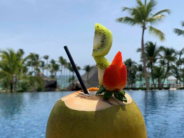 Así se prepara el auténtico Coco Loco caribeño