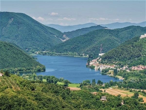 El lago de Piediluco, una escapada rural en el Lazio italiano