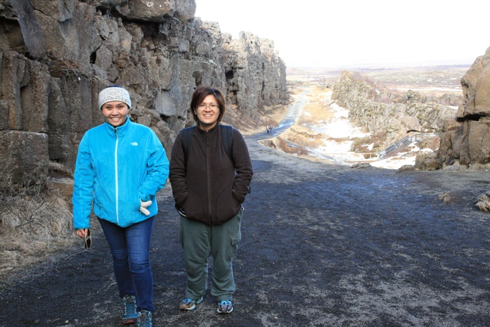 A couple of Viajera Filipinas at Thingvellir National Park