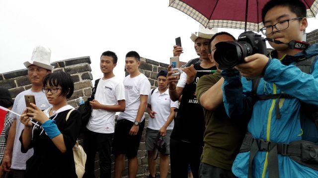 Chinos paparazziando a los turistas.