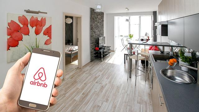 Airbnb tiene una aplicación móvil para rentar tus alojamientos