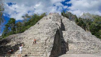 Ruinas de Coba, arqueología en medio de la selva.