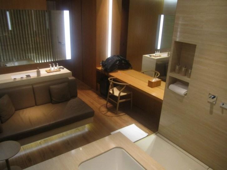 Cathay Pacific Lounge Cabana 2x