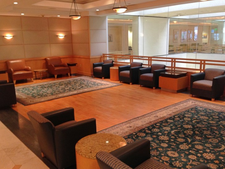 Sala VIP lounge oneworld en Terminal E de Miami - MIA-11