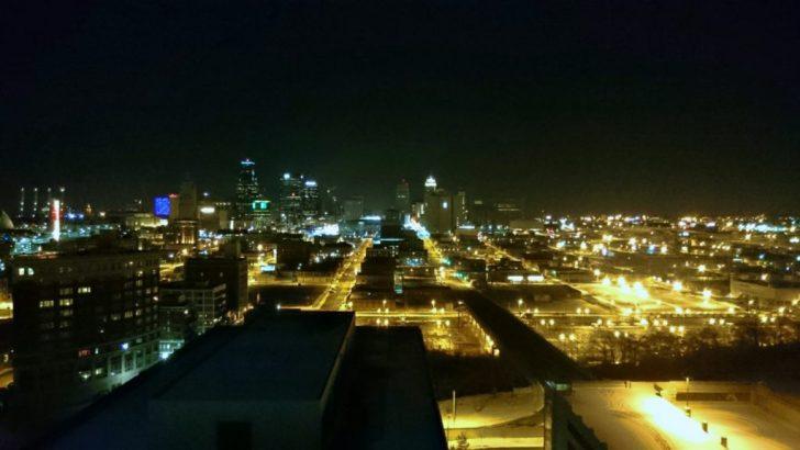 Sheraton Kansas City - Crown Lounge - 14