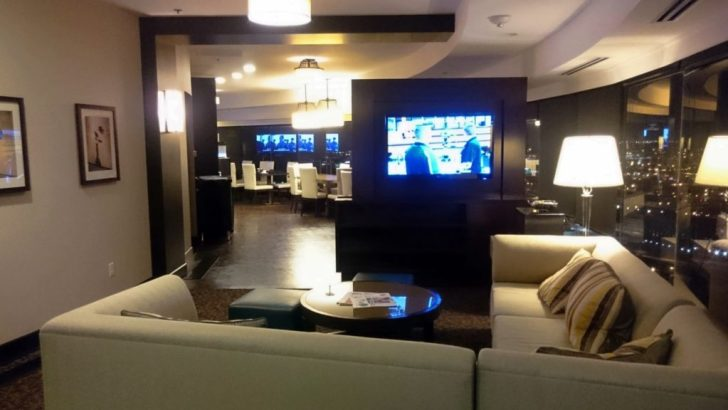 Sheraton Kansas City - Crown Lounge - 19