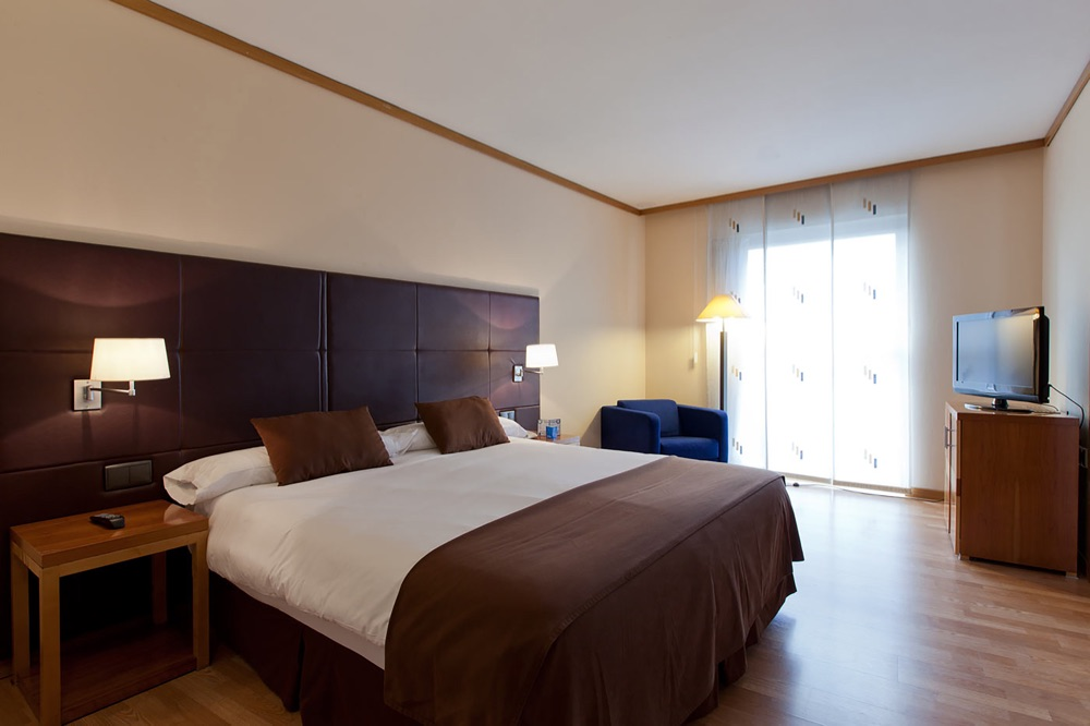 Senator Parque Central hotel en Valencia  Viajes el