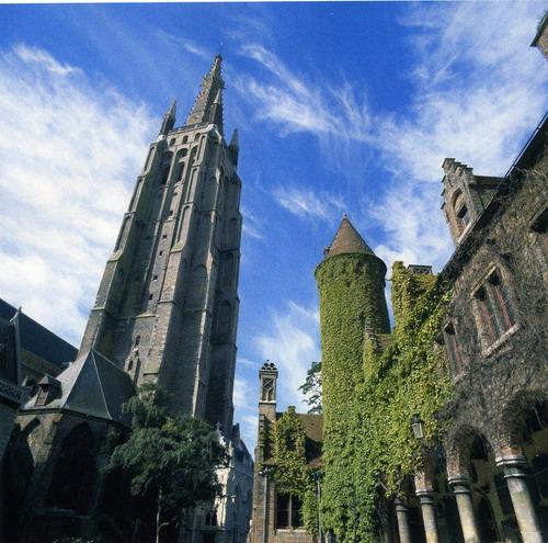 Iglesia de Nuestra Senora Brujas Un viaje a través del tiempo, la ciudad de Brujas