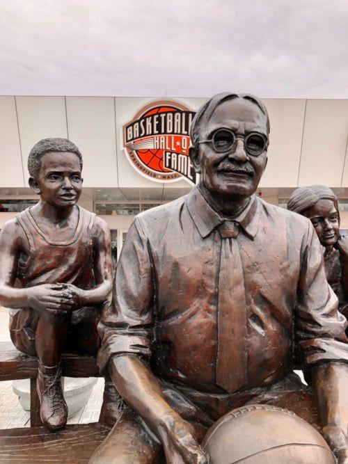 Las estatuas de la NBA en USA