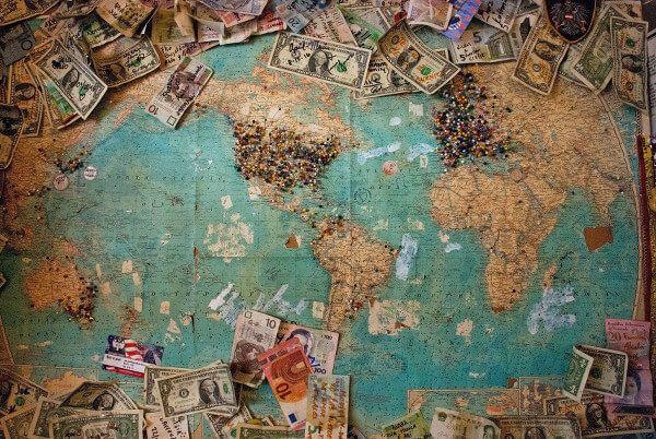 Cómo y dónde cambiar euros por dólares para viajar a Estados Unidos