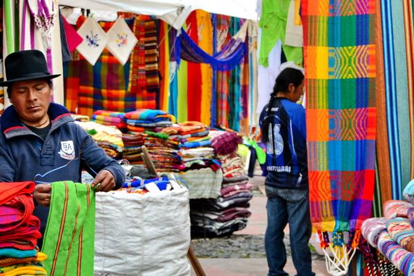Mercado de Artesanías de Otavalo 8