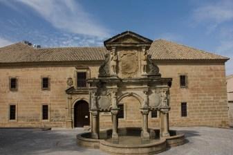 Baeza-Fuente-Santa-Maria-y-Seminario-San-Felipe-Neri