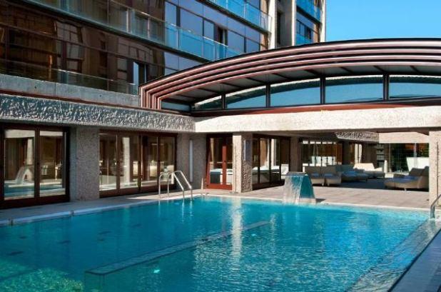 hotel Hilton piscina exterior