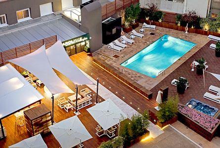 Hotel Wellington piscina exterior