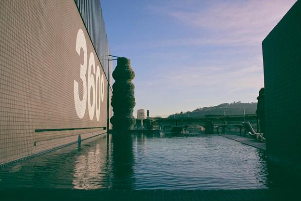 Hoteles Barcelona piscina Exterior