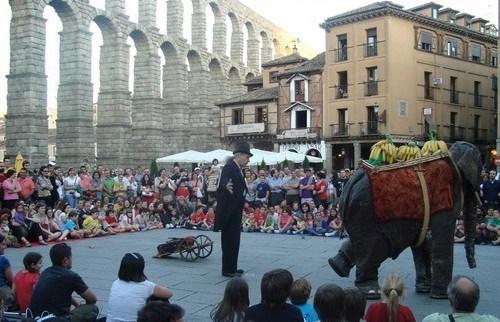 Titirimundi-Festival-in-Segovia