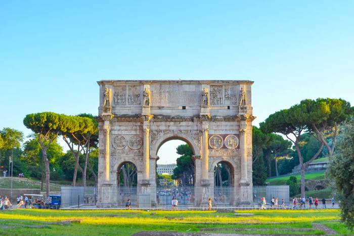 Fontana di Trevi x Constantino2