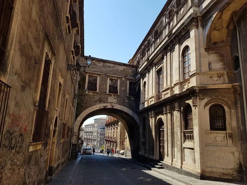 Atrações de Catânia Via Crociferi1