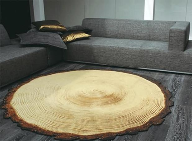 Alfombra de tronco de madera